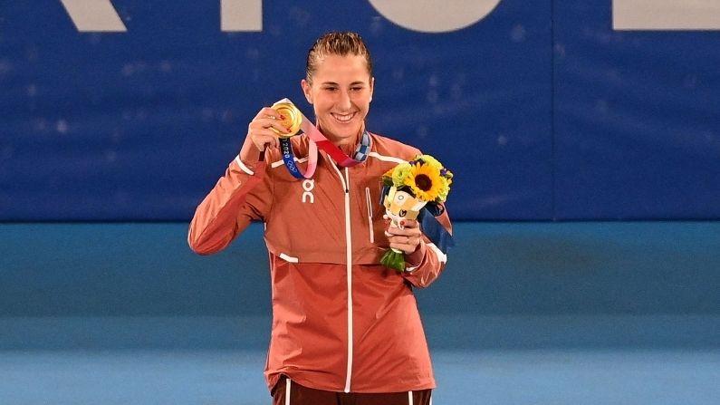 Tokyo Olympics: Belinda Benchich wins women's singles gold in tennis, Swiss player creates history