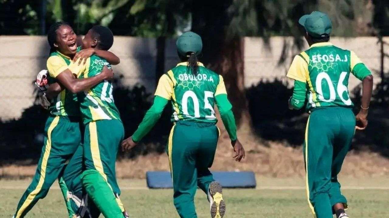 4 ओवर में 4 मेडन और 4 विकेट! गली क्रिकेट नहीं इंटरनेशनल मैच में हुई ऐसी खतरनाक बॉलिंग