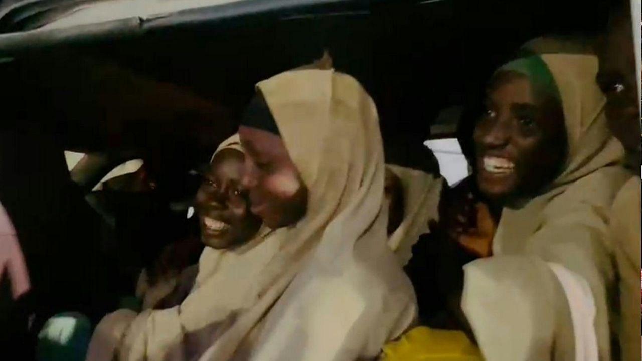 नाइजीरिया में 70 बच्चे हुए आजाद, बंदूकधारियों ने स्कूल पर हमला कर किया था किडनैप, सभी परिवार के पास पहुंचे