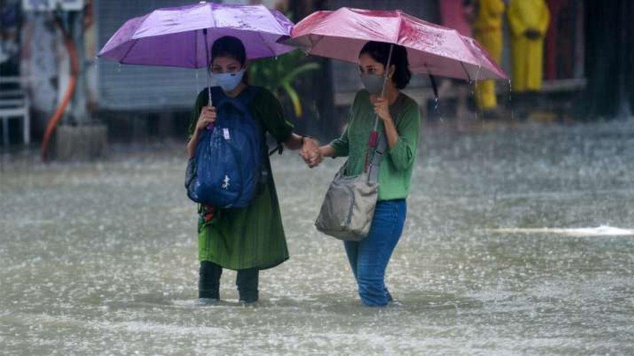 किसानों के लिए अलर्ट: उत्तर प्रदेश और दिल्ली में एक बार फिर सक्रिय होगा मॉनसून, जोरदार बारिश की संभावना