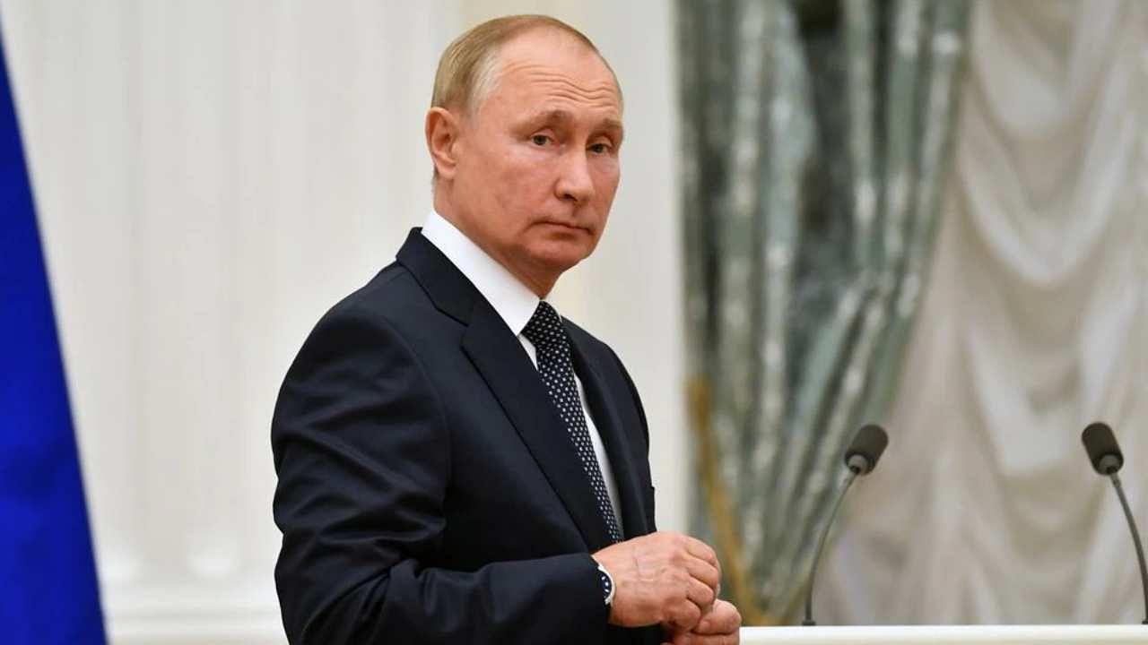 क्या राष्ट्रपति व्लादीमिर पुतिन के शासन से तंग आ गई है रूस की जनता, सर्वे में खुलासा सोवियत स्टाइल की सरकार चाहते हैं रूसी!