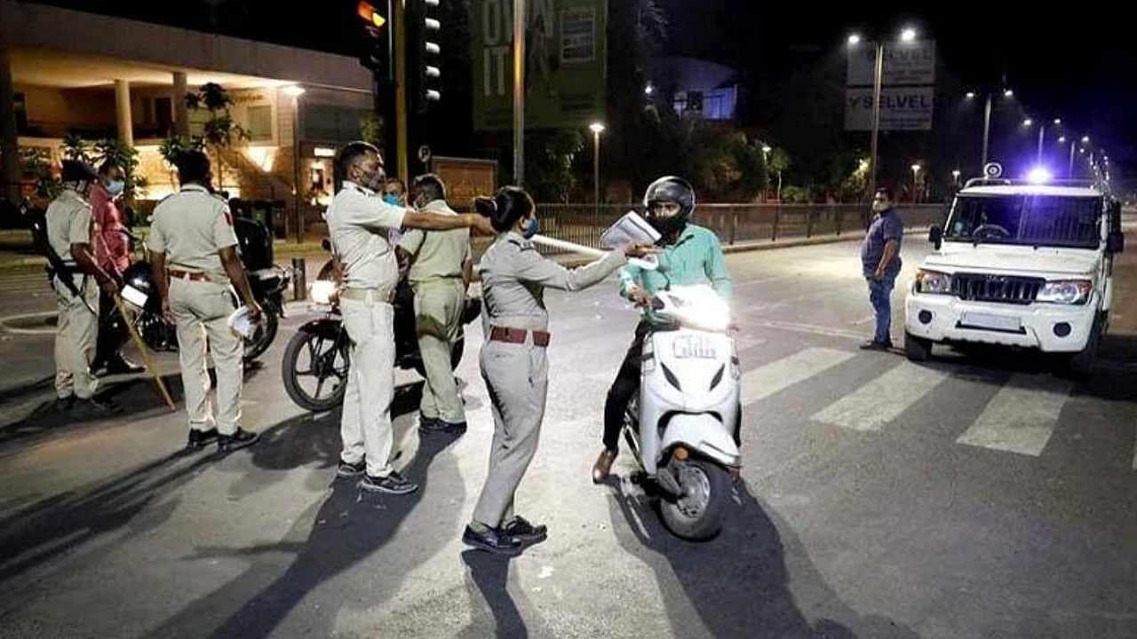 Corona in Gujarat: कोरोना की लड़ाई में गुजरात सरकार का अहम फैसला, 25 सितंबर तक 8 शहरों में लगेगा नाइट कर्फ्यू