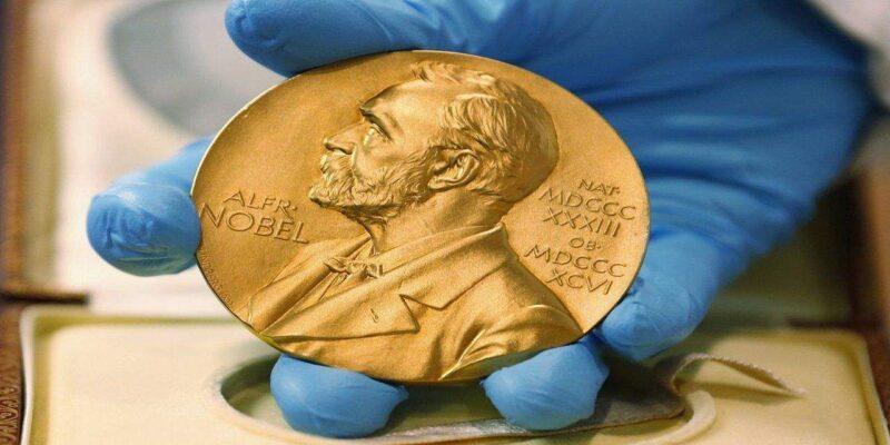 नोबेल पुरस्कारों पर लगा कोरोना का 'ग्रहण'! इस साल विजेताओं को उनके देशों में दिए जाएंगे पदक और डिप्लोमा