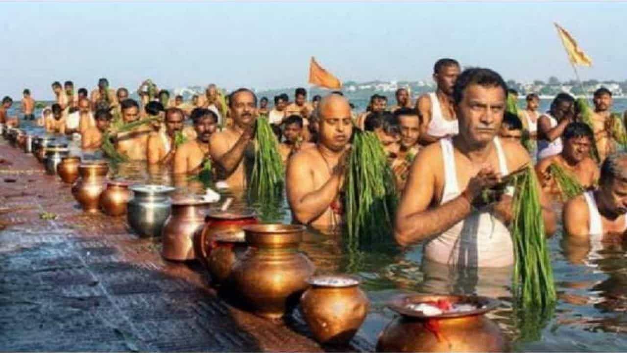 Dwitiya Shraddha 2021: इस विशेष दिन की तिथि, समय, महत्व और पूजा अनुष्ठान के बारे में जानें