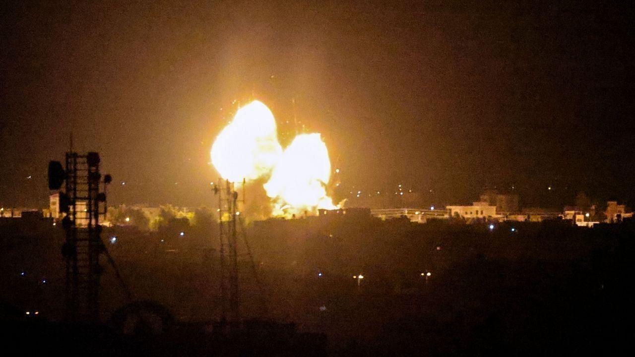 इजरायल और हमास के बीच लगातार तीन रातों से लड़ाई जारी, रॉकेट हमलों के जवाब में इजरायली सेना ने बरसाए बम