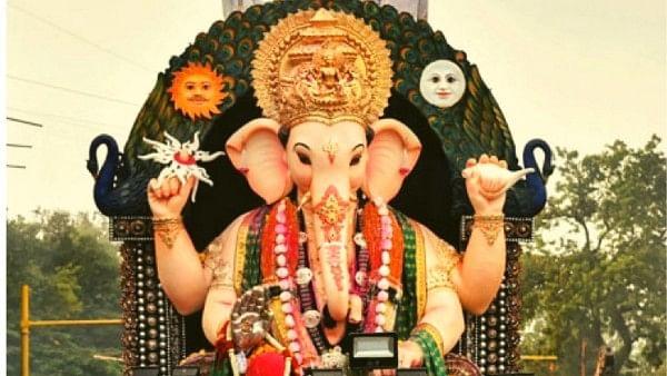 Ganesh Festival 2021 : आज का बुधवार है बहुत खास, धन-दौलत की चाह है तो जरूर करें ये उपाय