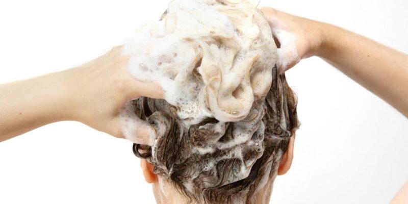 Hair care : शैंपू से बाल धोते समय इन 4 ट्रिक्स को हमेशा रखें याद, पाएं चमकदार शाइनी बाल