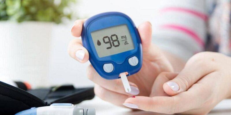 Health Tips : डायबिटीज के मरीज लो कार्ब डाइट लेते समय न करें ये गलतियां, सेहत के लिए नुकसानदायक