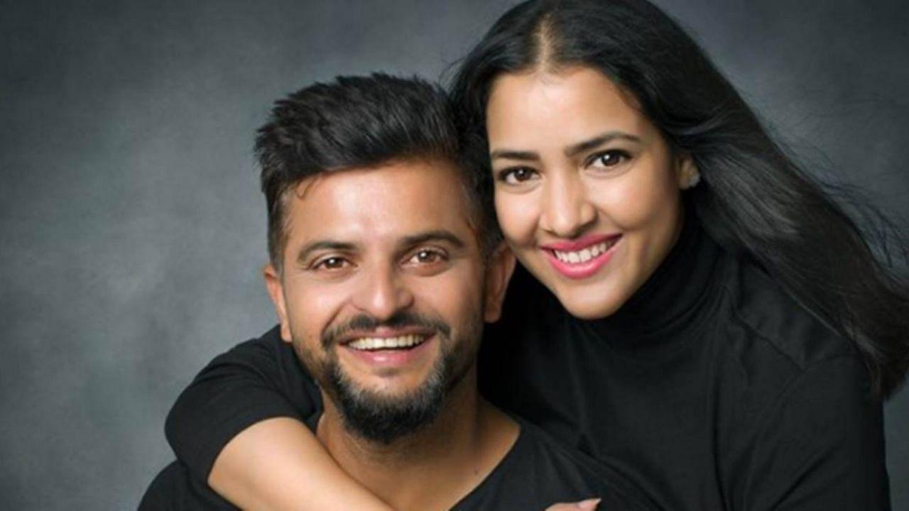 सुरेश रैना ने प्रियंका के साथ अपनी पहली मुलाकात का किस्सा सुनाया. उन्होंने बताया कि प्रियंका अपनी दोस्त के साथ उनके घर पर ट्यूशन पढ़ने आती थीं. रैना के बड़े भाई उन्हें पढ़ाते थे. यहीं पर उन्होंने पहली बार प्रियंका को देखा था. इसके बाद वह बोर्डिंग स्कूल में चले गए थे.