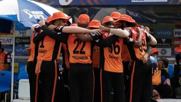 IPL 2021: सनराइजर्स हैदराबाद का पहली बार हुआ इतना बुरा हाल, मिली लगातार 4 हार, प्लेऑफ में जाना लगभग नामुमकिन