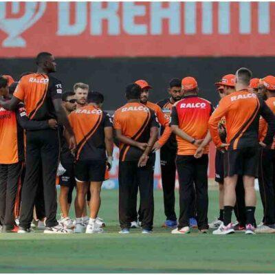 IPL 2021: सनराइजर्स हैदराबाद का खेल अभी खत्म नहीं हुआ, 9 में से 8 मैच हारकर भी प्लेऑफ की रेस में, समझें पूरा गणित
