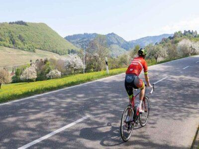 सोलो साइकिलिंग का गिनीज रिकॉर्ड बनाने के लिए लेह से मनाली के लिए निकला भारतीय सेना का जवान