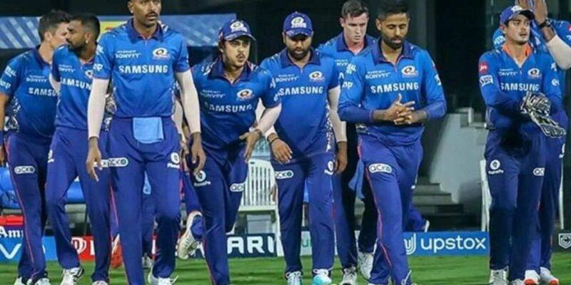 मुंबई इंडियंस हार से बौखलाई! 30 छक्के लगाने और 500 रन बनाने वाले को टीम से किया बाहर