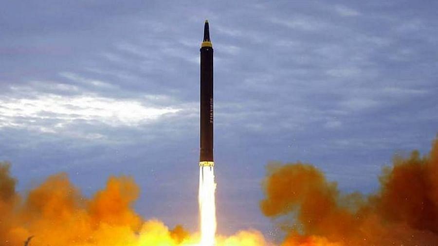 नॉर्थ कोरिया ने East Sea में दागी अज्ञात चीज, फिर से एक नई मिसाइल के टेस्ट करने की आशंकाएं