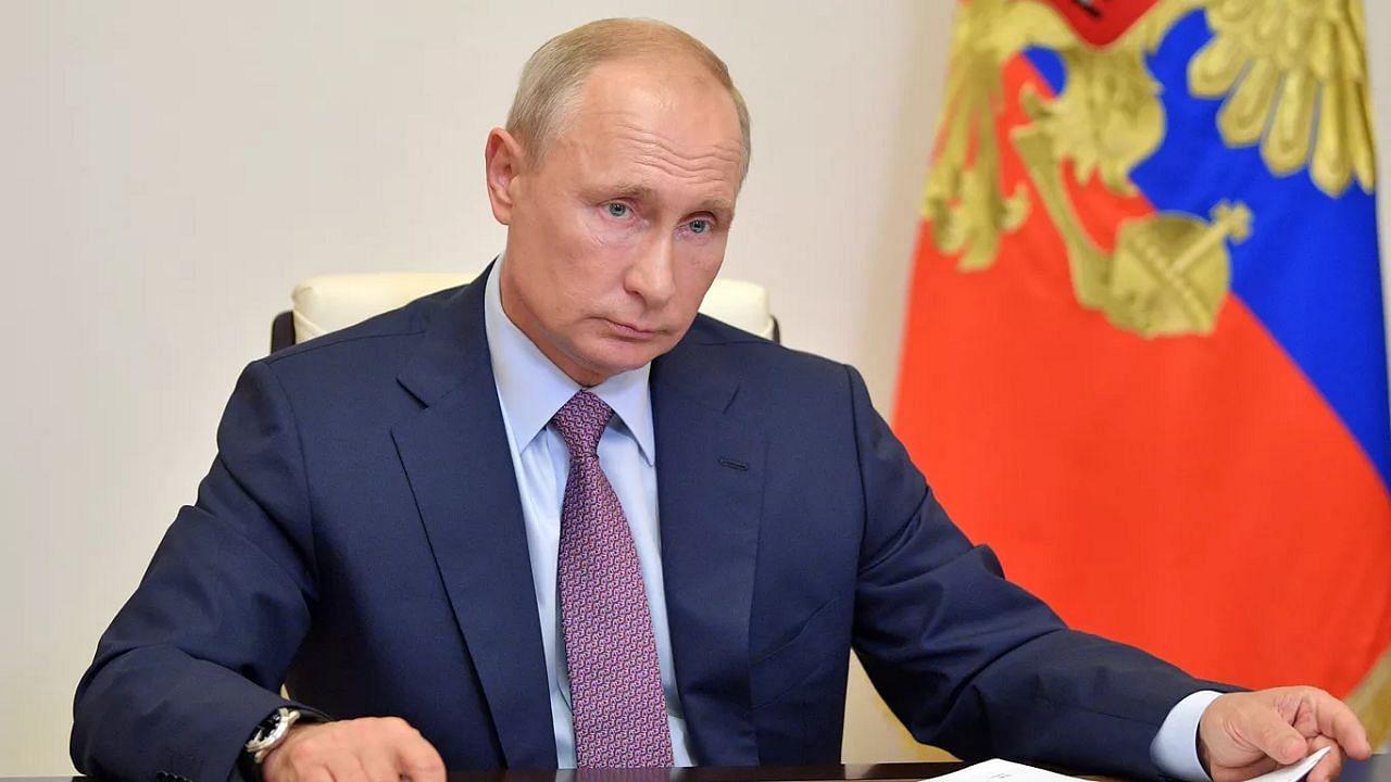 अफगानिस्तान के मसले पर रूस ने फिर साधा अमेरिका पर निशाना, पुतिन बोले- जल्दबाजी में नहीं बल्कि बचकर भागे अमेरिकी सैनिक