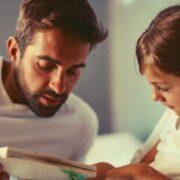 Parenting Tips : बच्चों को तरक्की करते देखना है, तो भूल से भी उनसे न कहें ये बातें