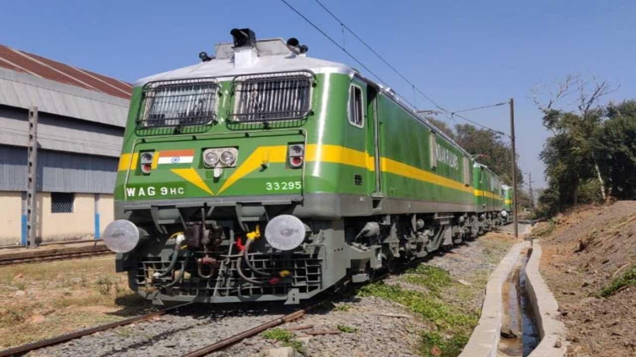 ट्रेन में अप-डाउन करने वाले यात्रियों के लिए मासिक पास जारी करेगा रेलवे, इतना करना होगा खर्च