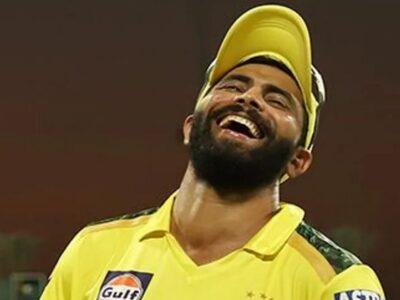 रवींद्र जडेजा (Ravindra Jadeja) की धूम IPL 2021 में भी मची हुई है. चेन्नई सुपरकिंग्स के इस ऑलराउंडर ने कोलकाता नाइटराडइर्स के खिलाफ 26 सितंबर को एक बार फिर से अपनी आखिरी ओवरों की बैटिंग से शाबाशी बटोरी. उन्होंने 19वें ओवर में 21 रन उड़ाए और टीम को जीत की दहलीज तक पहुंचाया. यह लगातार दूसरा सीजन है जब रवींद्र जडेजा ने सीएसके के लिए फिनिशर की भूमिका को अंजाम दिया. आईपीएल 2020 में भी उन्होंने यह काम पूरी जिम्मेदारी से किया था. हालांकि पिछले सीजन में चेन्नई का प्रदर्शन खराब रहा था. इसके चलते जडेजा के खेल पर ज्यादा ध्यान लोगों ने नहीं दिया. लेकिन आईपीएल 2021 में तो जडेजा और चेन्नई दोनों की गाड़ी सफलता के रास्ते पर सरपट दौड़े जा रही है. जिस तरह से वे अभी खेल रहे हैं उससे टी20 वर्ल्ड कप के दौरान भारत को काफी मदद मिल सकती है.