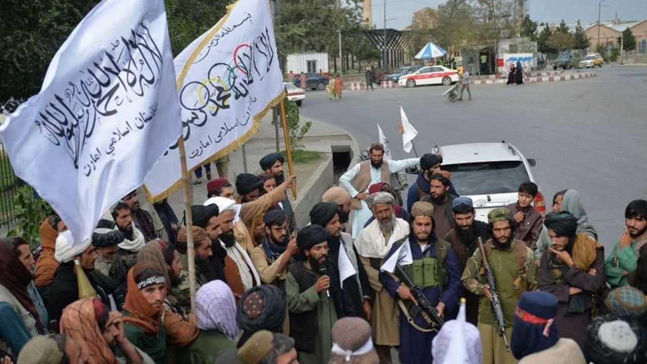 सर्वे: अफगानिस्तान पर तालिबान के 'कब्जे' से पाकिस्तान की बड़ी आबादी खुश, 55% लोगों ने जताया समर्थन