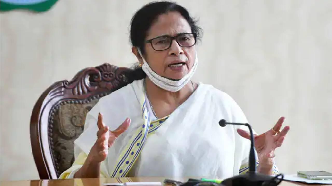 बंगाल के फ्लाईओवर की फोटो इस्तेमाल करने पर TMC का बीजेपी पर तंज, बताया ममता के अच्छे काम की 'स्वीकृति'