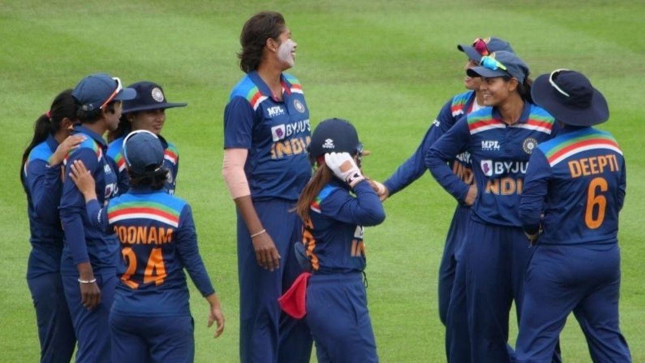ऑस्ट्रेलिया में टीम इंडिया को शुरुआत में ही लगा झटका, मिताली-स्मृति समेत दिग्गज बल्लेबाज फ्लॉप