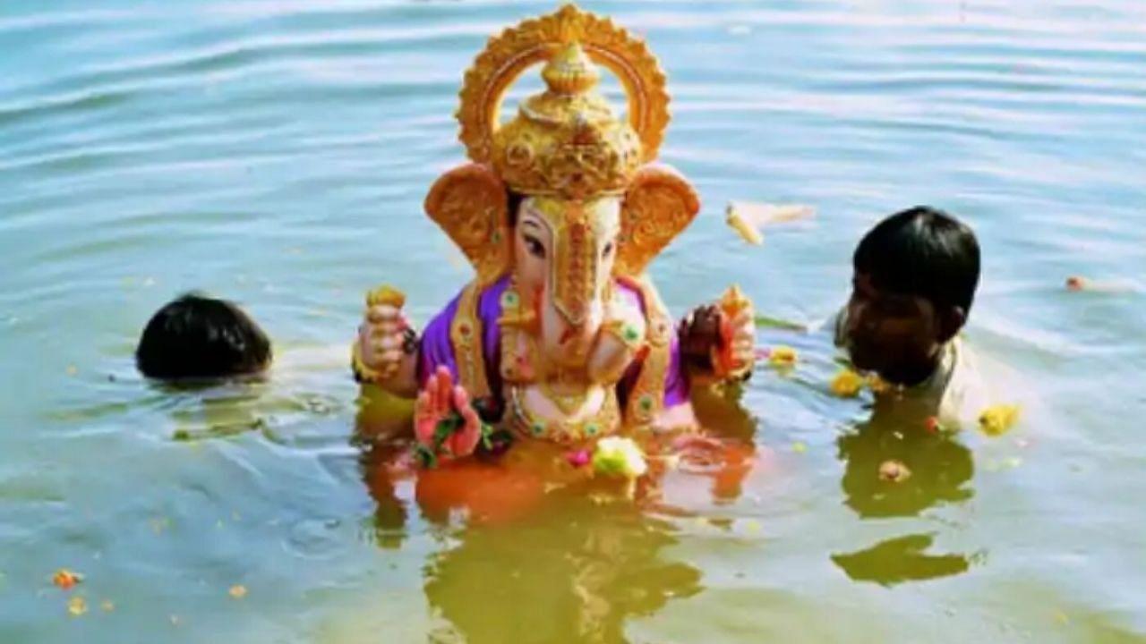 तेलंगानाः हाईकोर्ट ने हुसैन सागर में PoP की मूर्तियां विसर्जित करने की अनुमति देने से किया इनकार, सरकार की रिव्यू पिटीशन खारिज