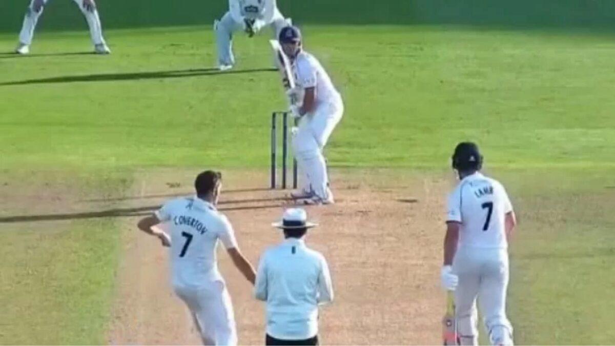 बल्लेबाज को आउट करने के लिए अंग्रेज गेंदबाज ने चली चाल, लेकिन खुद के कप्तान ने फेर दिया मेहनत पर पानी