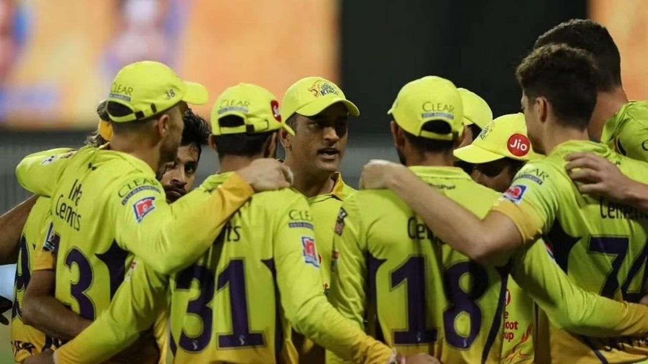 धोनी की चेन्नई सुपर किंग्स का यह दमदार खिलाड़ी अब तक टीम से दूर, बढ़ीं चिंता की लकीरें!