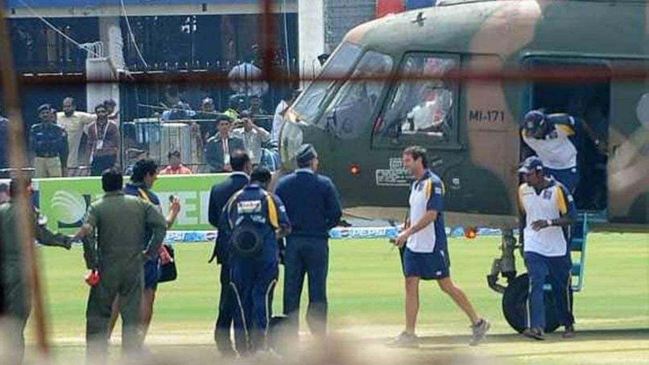 श्रीलंका ने 2009 में पाकिस्तान का दौरा रद्द किया था क्योंकि टीम की बस पर आतंकवादी हमला हुआ था. श्रीलंकाई टीम लाहौर के गद्दाफी स्टेडियम में तीसरे टेस्ट मैच के दूसरे दिन स्टेडियम जा रही थी तभी आतंकवादियों ने टीम की बस पर हमला कर दिया और इसी कारण श्रीलंका ने ये दोरा बीच में छोड़ दिया.