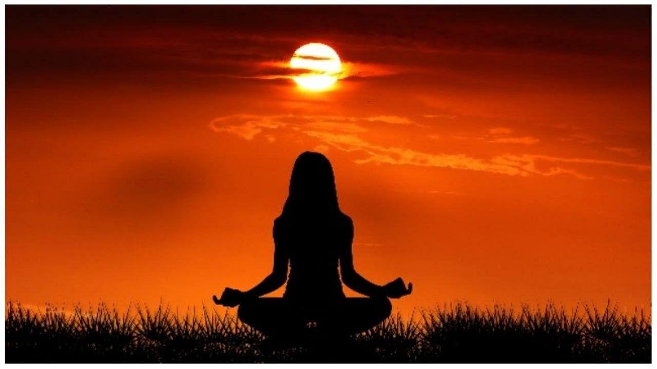 Yoga Poses: Do these yogasanas regularly to increase metabolism