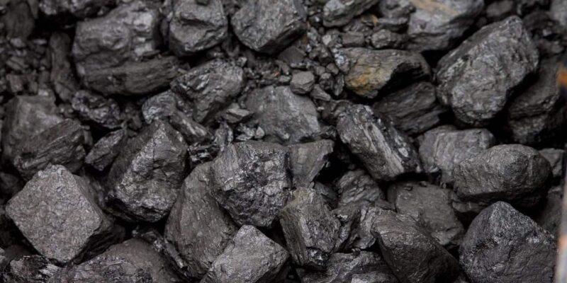 आखिर कैसे आ गया कोयले की कमी का इतना बड़ा संकट, कोयला मंत्री प्रह्लाद जोशी ने बताई वजह