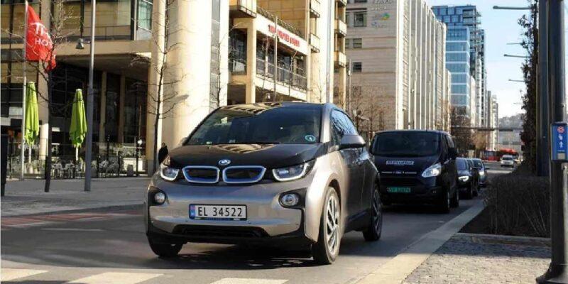 आखिर कैसे पर्यावरण को साफ रख रहा है नॉर्वे? वाहनों से होने वाले प्रदूषण से निपटने के लिए अपनाई है ये तरकीब