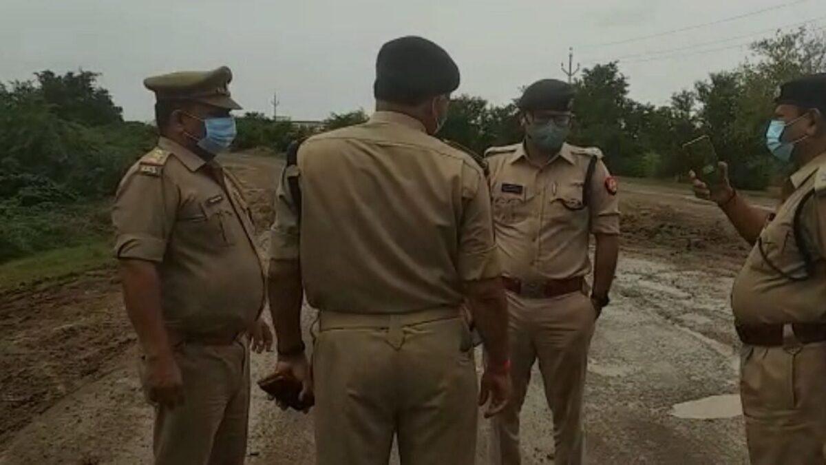 Agra: लखीमपुर हिंसा के विरोध में फूंकने जा रहे थे PM मोदी का पुतला, पहुंच गए थाने