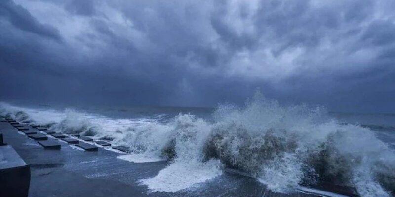 किसानों के लिए अलर्ट: आ सकता है एक और चक्रवाती तूफान, उत्तरी अंडमान सागर में बन रहा कम दबाव का क्षेत्र