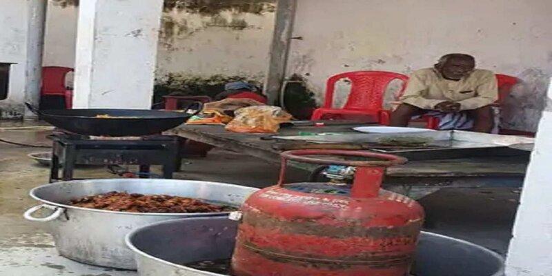 BIHAR: नालंदा में मछली भात खिलाकर वोटरों को लुभाने की थी तैयारी, भोज स्थल पर पहुंच गई पुलिस, मुखिया प्रत्याशी गिरफ्तार