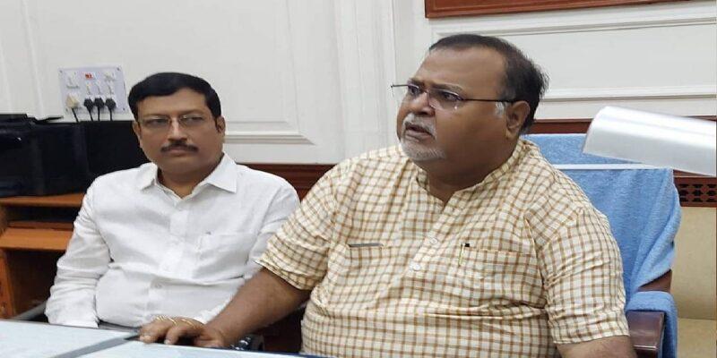 बंगाल में BJP को फिर लगा झटका, पूर्व MLA सव्यसाची दत्ता ने ममता बनर्जी से की मुलाकात, TMC में हुए शामिल