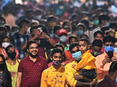 Bengal Corona Updates: दुर्गा पूजा में उमड़ी भीड़ का असर, एक हजार के करीब पहुंचा कोरोना संक्रमण, जानें क्या कहा ममता बनर्जी ने