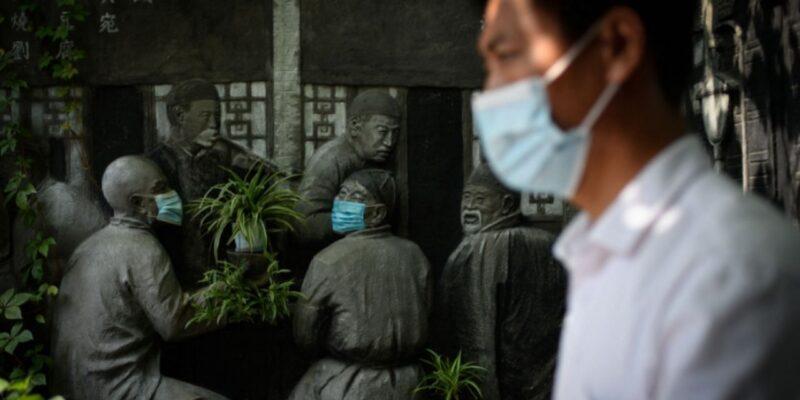 चीन ने झिंजियांग के गुलजा में लगाया लॉकडाउन, दरवाजे बाहर से कर दिए सील, जीना हुआ मुहाल