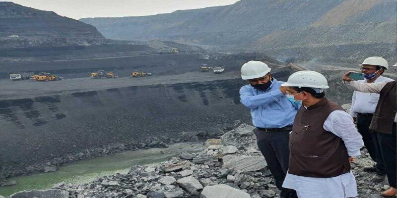 Coal Crisis: कोयला मंत्री प्रह्लाद जोशी ने झारखंड के कोयला खदान का किया दौरा, कहा-'कल से 2 मिलियन टन कोयले की हो रही है आपूर्ति'
