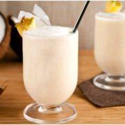 Coconut Smoothie Recipe : नाश्ते में ट्राई करें ये क्रीमी कोकोनट स्मूदी