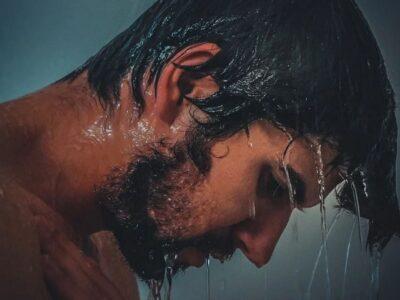 Cold Shower: ठंडे पानी से नहाने के 7 कमाल के फायदे जो आपकी त्वचा और सेहत में सुधार करेंगे