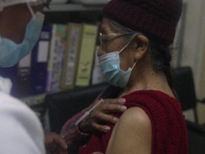 Coronavirus: श्रीलंका में फ्रंटलाइन वर्कर्स और बुजुर्गों को दी जाएगी कोविड वैक्सीन की बूस्टर डोज, सरकार ने दी मंजूरी
