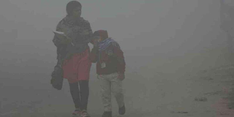 Delhi Air Pollution: दिल्ली में रहने वाले बच्चों का दम घुटता है! स्टडी में 75.4% बच्चों ने की सांस फूलने की शिकायत