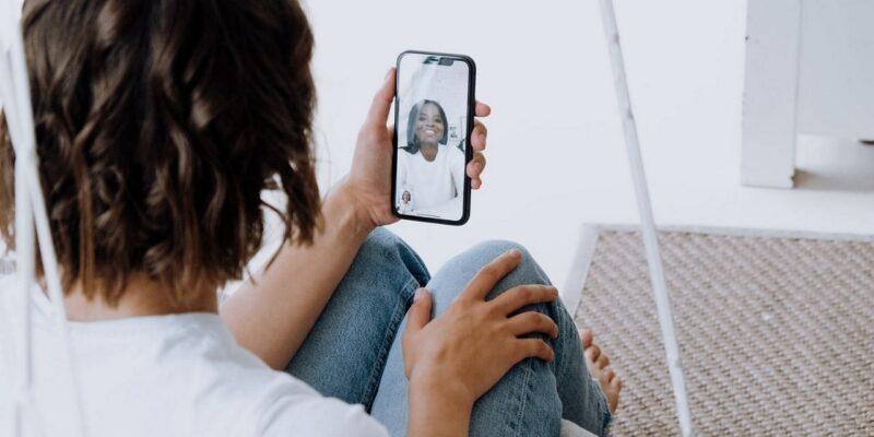 UAE में फिर से काम करने लगा फेसटाइम कॉल, लंबे समय से लगा हुआ था प्रतिबंध, क्या एपल के प्रोग्राम को दी गई ढील?