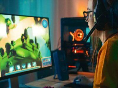Fantasy Games: ऑनलाइन गेम से हो रही करोड़ों की कमाई, बस 35 रुपये की टिकट में ले सकते हैं पसंदीदा गेम का मजा