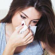 Flu Symptoms: बंद, भरी हुई नाक के इलाज के लिए 5 घरेलू उपचार