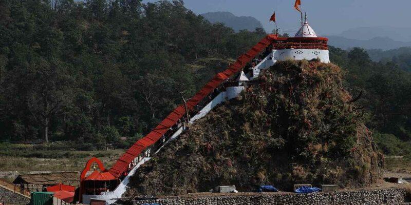 Girija Devi Temple : नदी के बीचों-बीच है मां गिरिजा का पावन धाम, जहां कभी शेर किया करते थे परिक्रमा