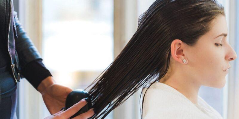 Hair Care Tips : गीले बालों में भूलकर न करें ये 5 गलतियां, हो सकता है नुकसान