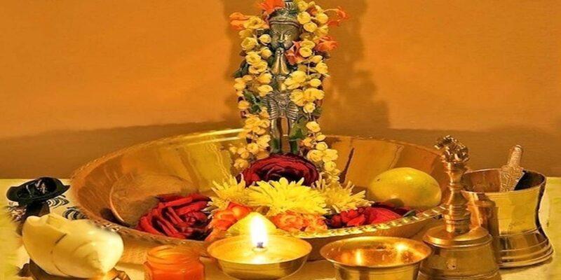 Hanuman Mantra : सिर्फ हनुमान चालीसा ही नहीं बल्कि इन मंत्रों और कवचों के पाठ से भी बरसती है हनुमत कृपा