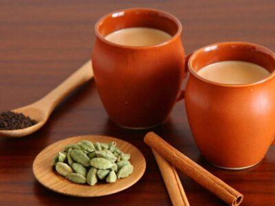 Health Tips: अगर आप भी हैं चाय के शौकीन तो इन बातों का रखें ध्यान, बीमारी रहेंगी दूर